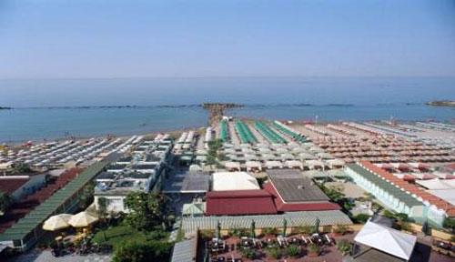 Bagni Pupa e Mocambo - Beach Village a Marina di Massa